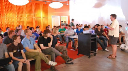 Paul_Graham_talking_about_Prototype_Day_at_Y_Combinator_Summer_20091-1038x576